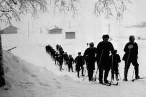 Ski soldiers